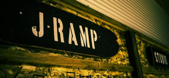 横浜スケートボードランプスタジオ【J RAMP STUDIO】
